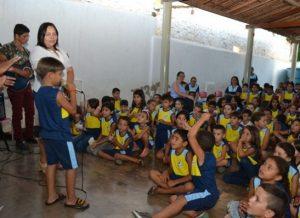 timthumb-3-2-300x218 Escola Municipal realiza dia de Ação de Graça em Monteiro