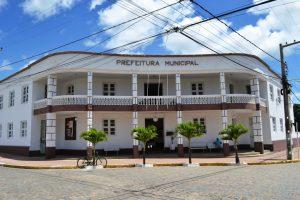 Falha nos arquivos atrasa em um dia salário dos servidores da educação em Monteiro 4