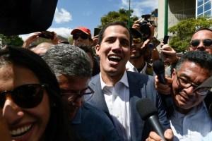 Guaidó admite conversas com membros do governo 1