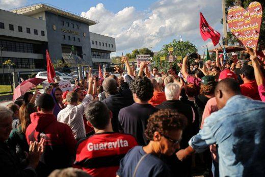 15495868455c5cd19dab4da_1549586845_3x2_lg-520x347 Futuro de Lula na prisão preocupa PF em Curitiba após acúmulo de penas