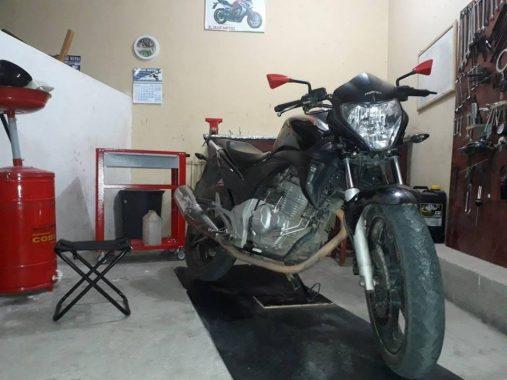 52835341_671643489917239_7091144636676177920_n-507x380 Jovem tem moto tomada de assalto em Monteiro na BR-412
