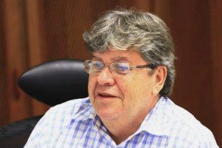 joao-azevedo-520x347 Governador anuncia Monteiro como sede de eliminatória de Festival de Música da Paraíba