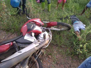 5989606d-b32a-466f-a031-f30e85717334-1-507x380 Acidente de moto deixa uma vítima fatal em Sertânia