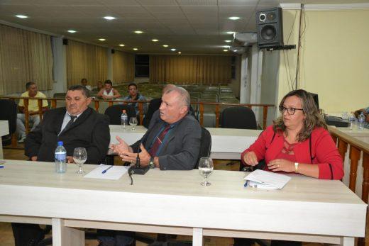 farias-jacira-simao-520x347 Projeto do vereador Farias é aprovado e proíbe a taxa de religação de energia e água em casos de corte