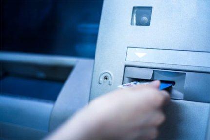 caixa-eletronico-585x390 Prefeitura de Monteiro inicia pagamento dos servidores municipais nesta segunda