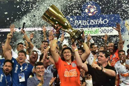Campeonato Paulista: Corinthians vence São Paulo e é tricampeão 1