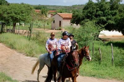 fotos-da-13ª-cavalgada-da-integracao-do-cariri-em-monteiro-19 FOTOS: 13ª Cavalgada da Integração do Cariri reúne centenas de cavaleiros em Monteiro.
