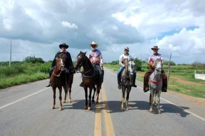 fotos-da-13ª-cavalgada-da-integracao-do-cariri-em-monteiro-7 FOTOS: 13ª Cavalgada da Integração do Cariri reúne centenas de cavaleiros em Monteiro.