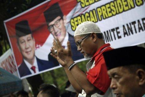 indonesia-terremoto-583x390 Contagem manual de milhões de votos deixa 272 pessoas mortas e outras 1.878 doentes na Indonésia