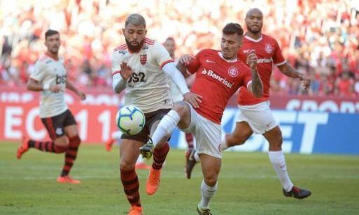 FLA-INTER-650x390 Flamengo perde para o Internacional e expõe problemas de seu sistema defensivo