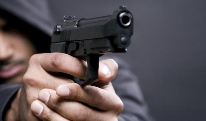 assalto-a-maão-armada-em-mantena-mg-voz-da-barra-659x390 Criminosos armados tomam de assalto motocicleta, celulares e dinheiro zona rural de Monteiro