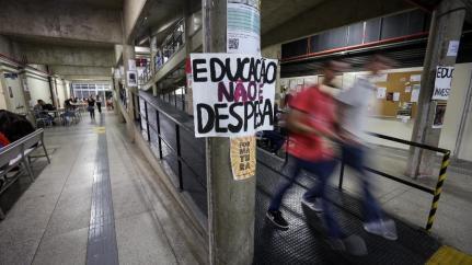 Após cortes na educação, governo Bolsonaro enfrenta hoje 1ª greve nacional 1