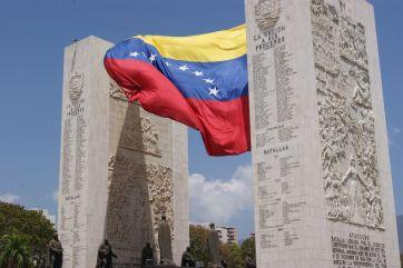 """Guaidó pede ação e diz que Maduro ultrapassou """"linhas vermelhas"""" 1"""