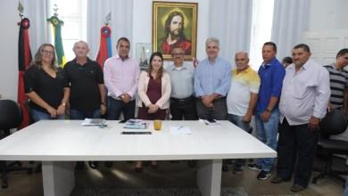 Secretário de infraestrutura é empossado em cerimônia no gabinete da prefeita em Monteiro 17