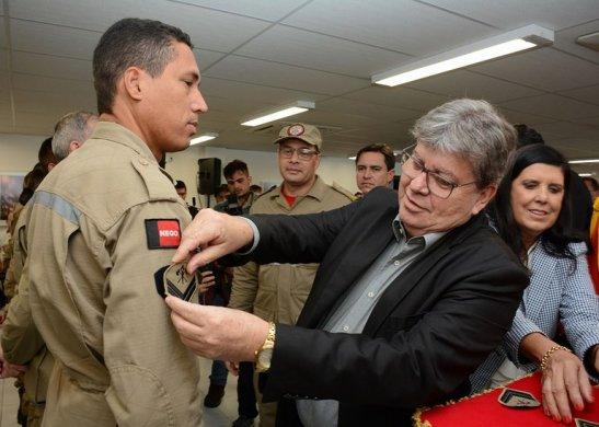 j-547x390 João Azevêdo lança Operação São João, entrega viaturas e promove militares