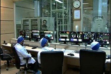 2019-07-01t144027z_2_lwd00165rm7uv_rtrwnev_e_0104-iran-nuclear-timeline-585x390 Irã se diz disposto a negociar se EUA retirarem sanções