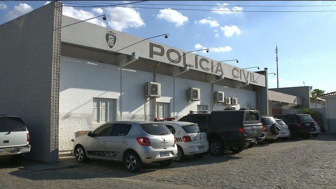 central-de-policia-civil-campina-grande-693x390 Policial militar é assaltado e tem carro roubado, em Campina Grande