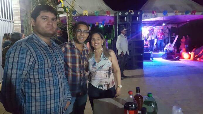 noticias8aac1f979d4562f0a57cdd3461539b3c25551-693x390 Prefeito Dalyson Neves e o vereador Juninho de Marleide prestigiam festa de São Pedro