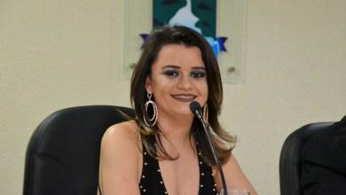 Vice prefeito Celecileno parabeniza gerente do Armazem Paraiba pelo título de cidadã recebido em Monteiro 2