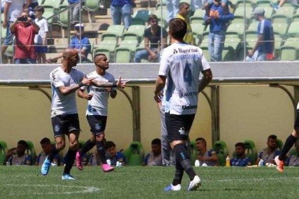 gremio-586x390 Grêmio goleia o Cruzeiro por 4 a 1 no Independência
