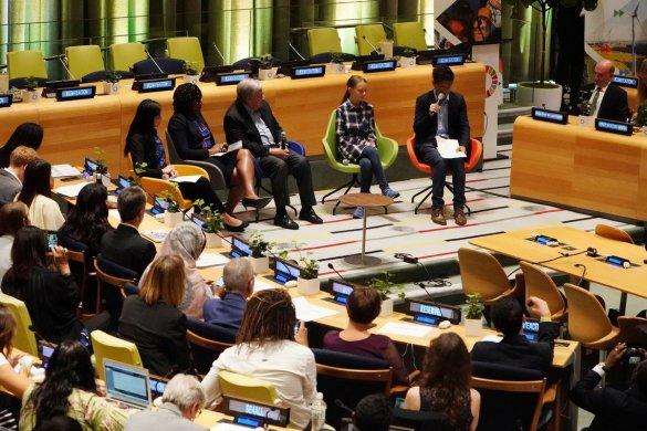 senado-585x390 Cúpula do Clima da ONU começa com mensagem de jovens ativistas