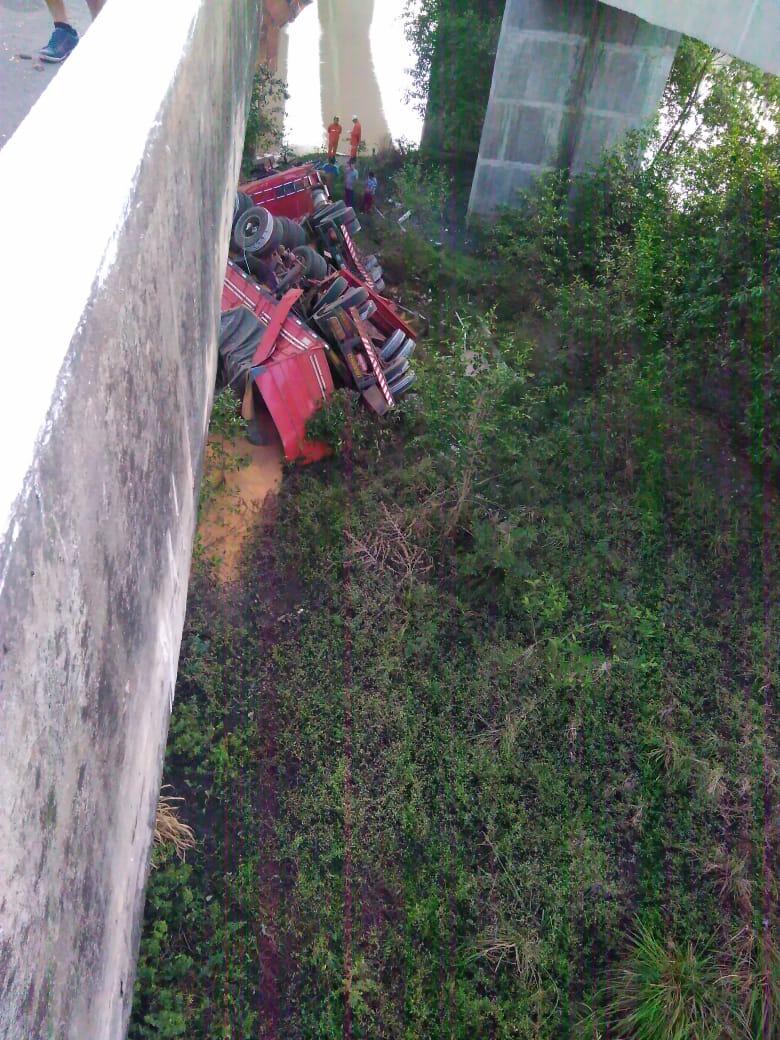 Monteirense cai de ponte com Carreta em São Luís no Maranhão 3