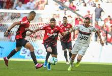 Flamengo vence o Athletico-PR e chega a 15 jogos sem perder no Brasileirão 9