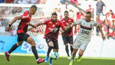 Flamengo vence o Athletico-PR e chega a 15 jogos sem perder no Brasileirão 5