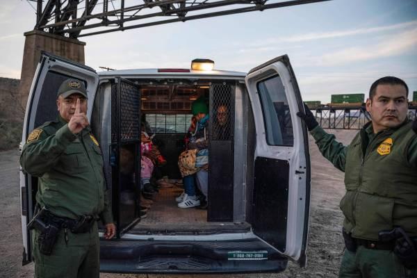 15551770985cb21e8a9b35e_1555177098_3x2_rt-600x400 EUA pretendem acelerar deportação de brasileiros