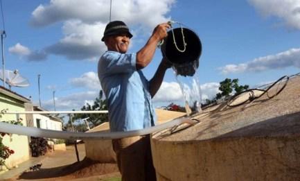 Mais-Água-664x400 MAIS ÁGUA NO CAMPO: Carros Pipa abastecem 394 Cisternas e levam quase 1,5 milhão de litros d'água pra zona rural