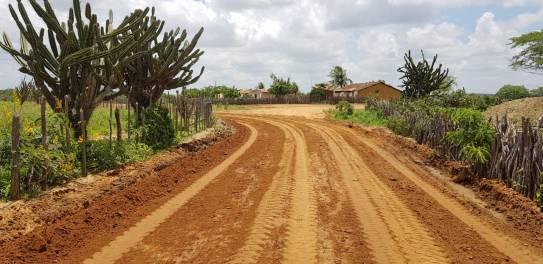 SEMANA-DO-AGRICULTOR-Lorena-entrega-recuperação-de-mais-de150-estradas-de-terra-em-Monteiro-2 SEMANA DO AGRICULTOR: Lorena entrega recuperação de mais de 150 estradas de terra em Monteiro