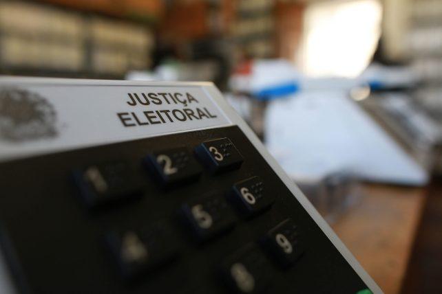 Urna-eletronica-scaled Veja os candidatos eleitos para vereador emMonteiro e os suplentes