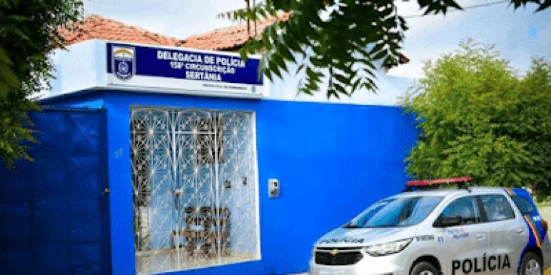 delegacia-sertania Polícia Militar interrompe festa clandestina e dono da casa é detido em Sertânia