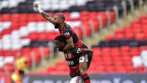 gabigol-e-gerson-comemoram-segundo-gol-do-flamengo-diante-do-inter-1613940108932_v2_900x506 Flamengo é campeão brasileiro mesmo após perder para o São Paulo no Morumbi
