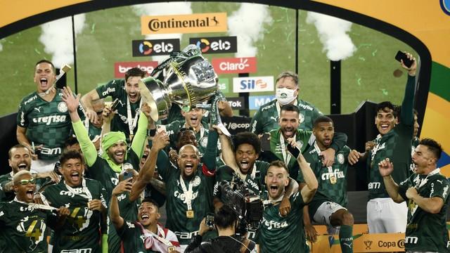Palmeiras-campeao-da-Copa-do-Brasil-2020 Palmeiras bate o Grêmio de novo e conquista tetra da Copa do Brasil
