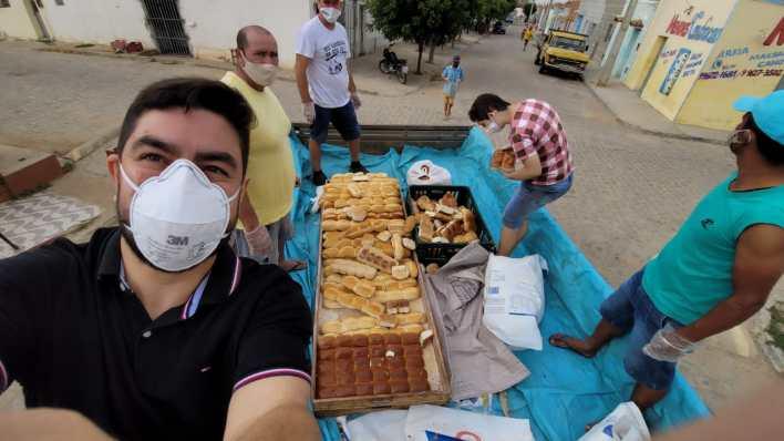 IMG-20210402-WA0086 Projeto Social: realiza mais uma ação com distribuição de pães em Monteiro