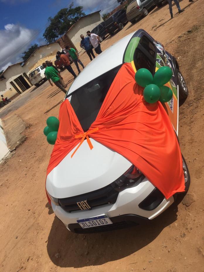 WhatsApp-Image-2021-04-29-at-18.53.35 Prefeito Márcio Leite entrega veículo 0km para comunidade do Quaty