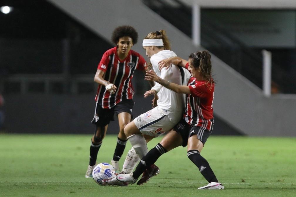 ezisx39weaejpww Santos vence São Paulo de virada em clássico na Vila Belmiro pelo Brasileirão Feminino