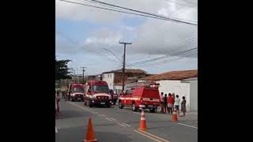 mqdefault Explosão de botijão de gás seguida de desabamento deixa dois mortos e três feridos na Paraíba