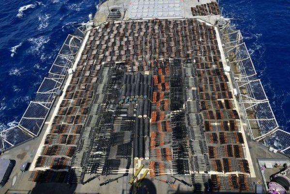apreensao_eua-599x400 Marinha dos EUA faz apreensão gigantesca de armas no Mar da Arábia