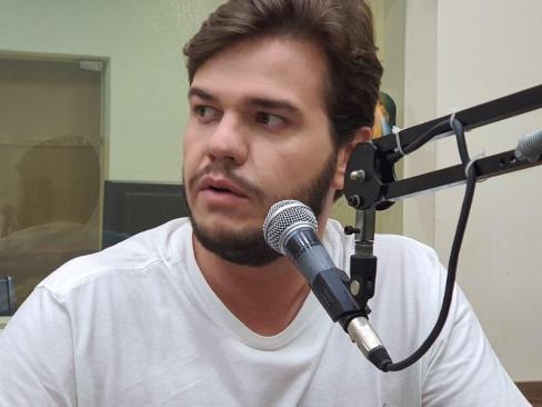 """bruno-cl Bruno diz que grupo político está """"bem servido"""" de nomes para disputar governo e não descarta Cássio"""