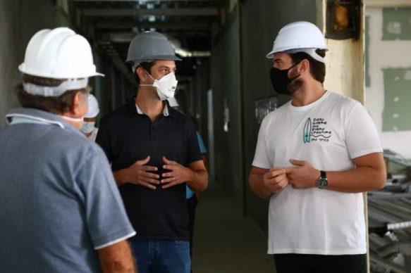 unnamed-5-31-800x532-1 Prefeito de CG visita hospital que gerará 3 mil empregos direto na cidade
