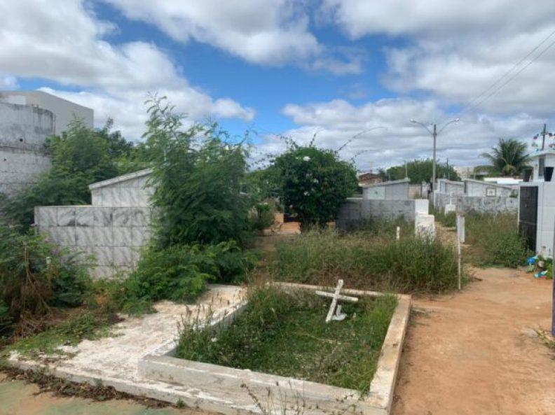 10-600x449-1 Cemitério de Serra Branca não tem mais onde enterrar seus mortos e valas estão sendo abertas nas avenidas