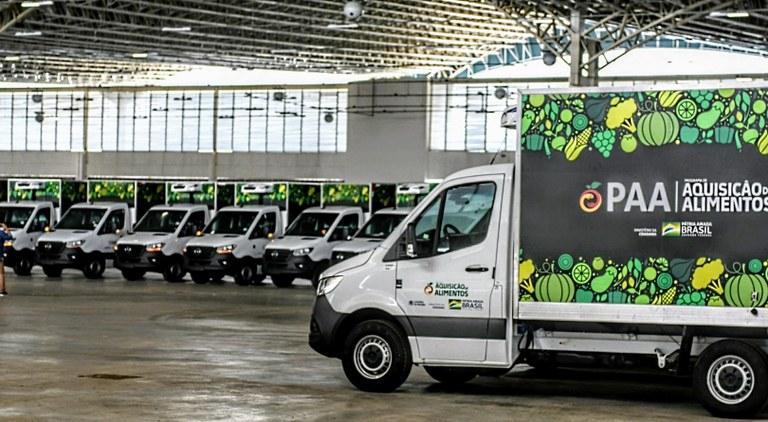 Caminhao-PAA Monteiro é contemplado com caminhão e equipamentos da Agricultura Familiar