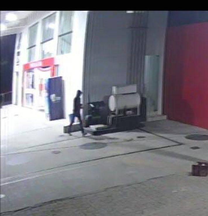 IMG-20210616-WA0072-e1623853314776 Bandido arromba farmácia e furta dinheiro do caixa no centro de Monteiro