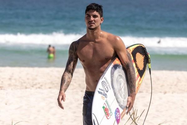 bn-gabriel-medina-praia-da-barra-64-600x400 Gabriel Medina se classifica antecipadamente para final do Mundial de Surfe
