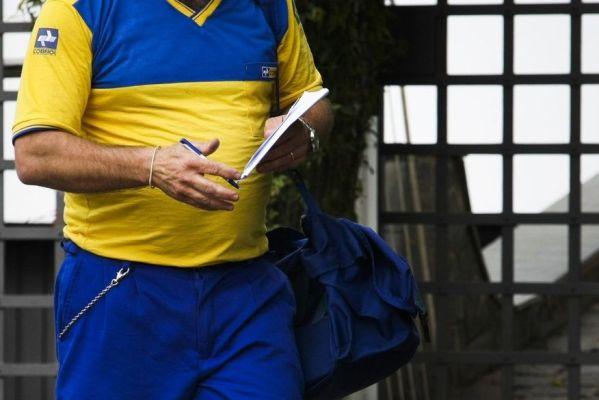 carteiro_-_correios-599x400 Bandidos vestidos de carteiros roubam residência e fogem levando R$ 20 mil em joias na Paraíba