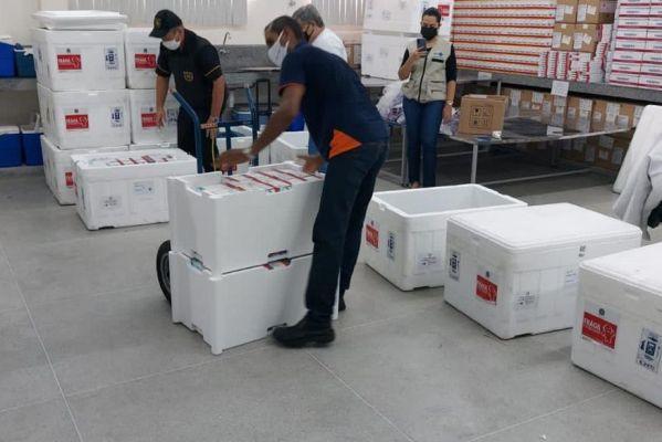 vacinas_astrazeneca-599x400 Paraíba recebe 129 mil doses de vacinas Astrazeneca para segunda dose