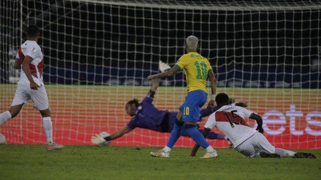 x93435211_esprio-de-janeiro-rj-17-06-2021copa-america-2021jogo-entre-brasil-x-peru-no-es-28429.jpg.pagespeed.ic_.7MsdpM56vj Brasil goleia o Peru por 4 x 0 e segue 100% na Copa América