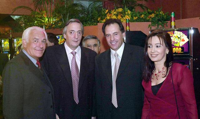 Cristobal Lopez junto a los Kirchner - Foto: OPI Santa Cruz